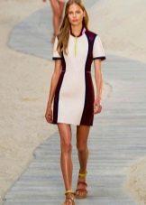 Короткое спортивное платье из неопрена