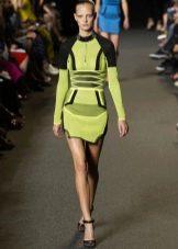 Зеленое спортивное платье из неопрена