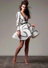 Пышное короткое платье из неопрена