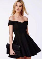 Платье из полиэстера с открытыми плечами