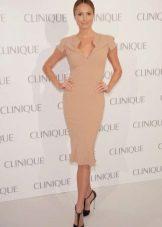 Платье из вискозы в сочетание с классическим туфлями на шпильке
