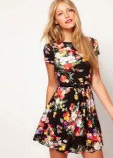 Платье из вискозы с цветочным принтом