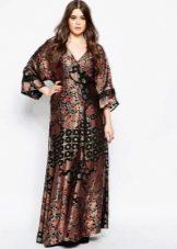 Платье кимоно коричнево-черное для полной женщины