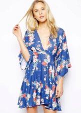 Платье кимоно синее с цветочным принтом