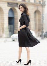 Платье-рубашка в деловом стиле