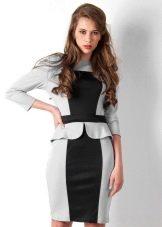 Платье средней длины с баской - офисный вариант