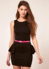 Платье с неполной баской