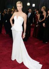 Платье белое с корсетом