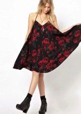 Платье - сарафан с красными розами