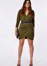 bfc817a8308 Короткое платье с запахом с драпировкой для полных