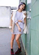 Вязаное сиреневое платье-туника