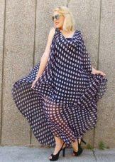 Шифоновое синее длинное платье в горошек