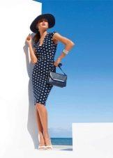 Деловое темно-синее платье в белый горошек с сумкой