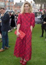 Длинное просторное платье в шотландскую клетку (тартан)