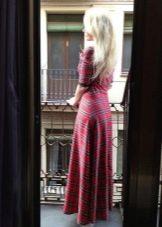 Длинное приталенное платье в шотландскую клетку (тартан) с рукавом три четверти