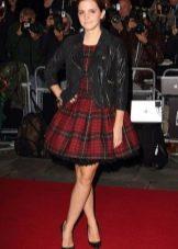 Корткое платье в шотландскую клетку (тартан) с пышной юбкой