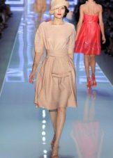 Платье со свободным рукавом в стиле стиляг