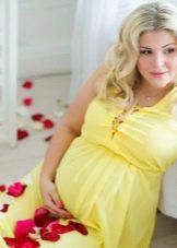 Желтое платье для беременных