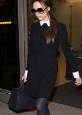 Черное платье с белым воротничком и с длинным рукавом с белыми монжетами