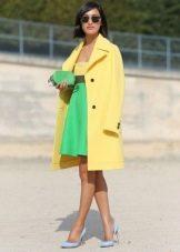 Пальто к платью с завышенной талией