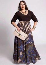 Длинное платье с рукавами для полной женщины