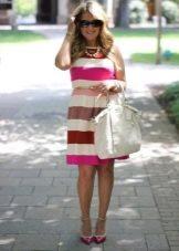 Платье в белую и розовую полоску