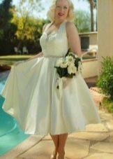Сатиновое свадебное платье без рукавов в стиле 50-х