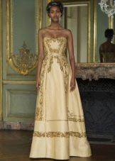 Платье с золотым узором