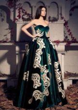 Бархатное платье в стиле барокко