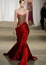 Красное платье с золотой вышивкой русалка