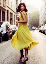 Шелковое плиссированное платье