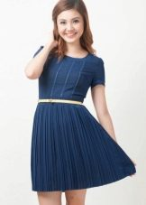 Трикотажное плиссированное платье