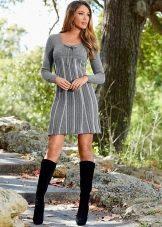 Теплое шерстяное повседневное платье серого цвета