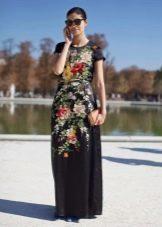 Черное длинное повседневное платье с цветочным принтом