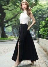 Длинное черно-белое повседневное платье