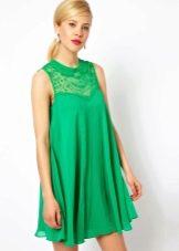 Платье, расклешенное от груди