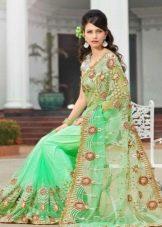 Зеленое свадебное сари