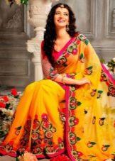 Желтое свадебное сари