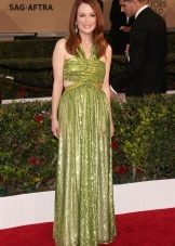 Зеленое платье с ковровой дорожки