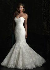 Свадебное платье рыбка без рукавов с открытым декольте