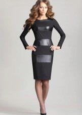 Платье с горизонтальными кожаными вставками