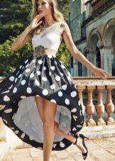Весеннее платье с юбкой колокол