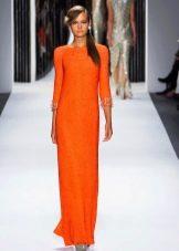 Оранжевое весеннее платье