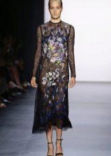 Платье с крупным цветком весеннее