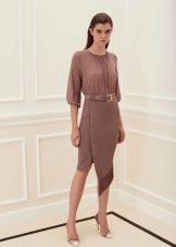 Весеннее платье асимметричное коричневое