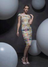 Летнее платье футляр миди