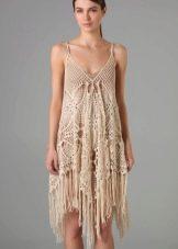 вязаное летнее платье на ббретелях