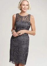 Летнее платье-футяляр  для женщин 50 лет