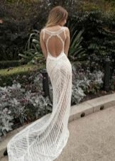 Свадебное летнее платье с открытой спиной