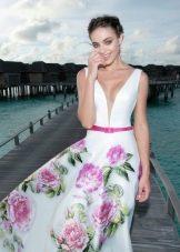 Летнее платье с крупным цветком